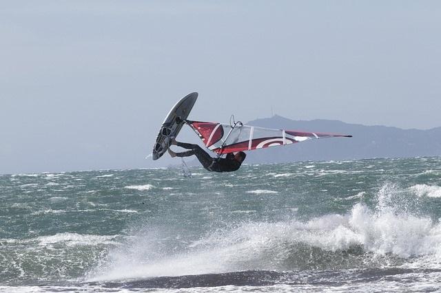 ウィンドサーフィンの種類をご紹介